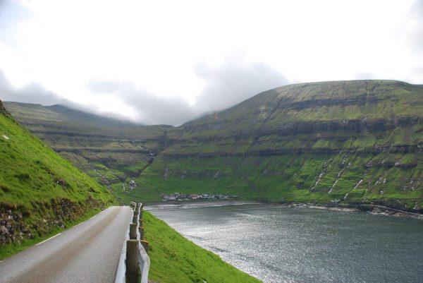 Tjornuvik, am Ende des Fjords