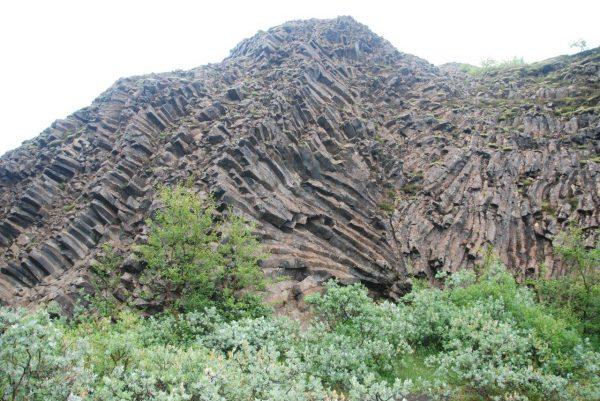Riesige Basaltformtionen
