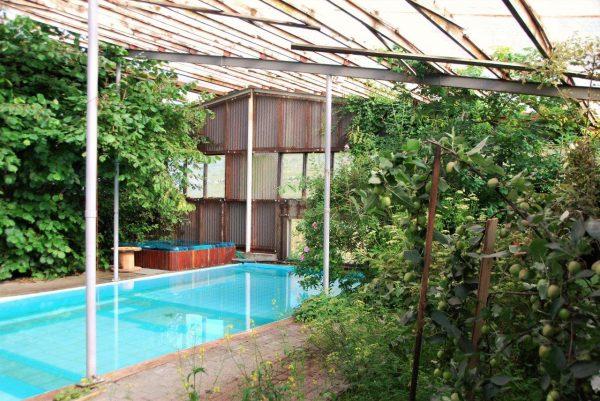 isländischer Pragmatismus: Gewächshaus mit Pool