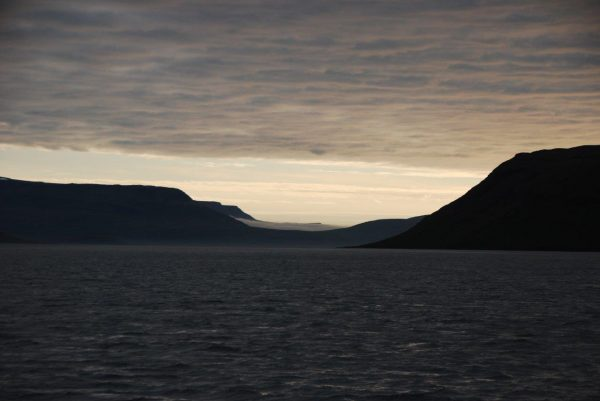 Abendlicht am Fjordausgang