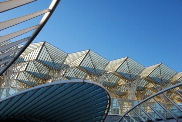 Bahnhofsdach am Expogelände 2