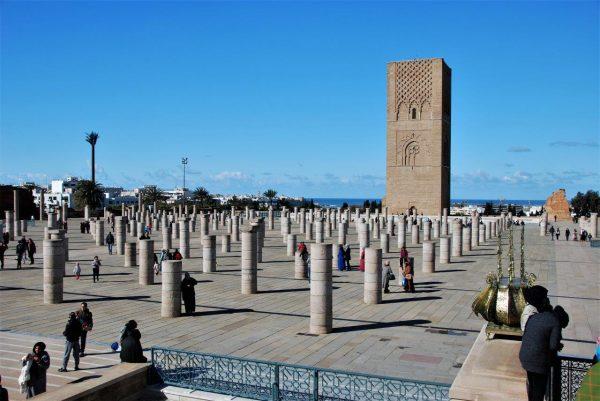 420 Säulen vor dem Hassanturm