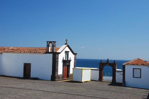 Fort Sao Bras über dem Hafen