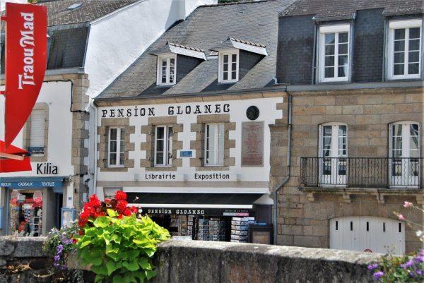 hier wohnten Gauguin und Collegen