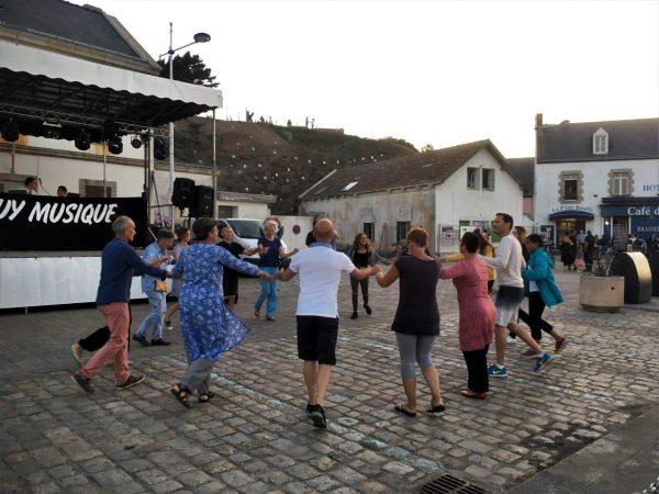 bretonische Tanzgruppe
