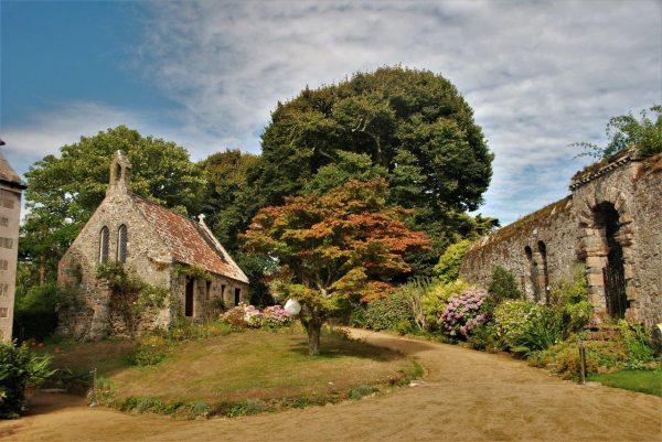 Kapelle auf Seigneurs Anwesen ...